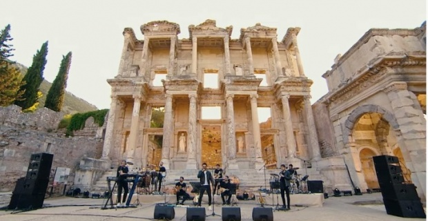 """""""Evde Bayram Konserleri"""" Efes Antik Kenti'nde"""