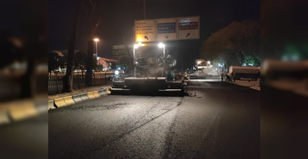 """Gaziantep Büyükşehir Belediyesi """"asfalt çalışmalarına gecede devam ediyoruz"""""""