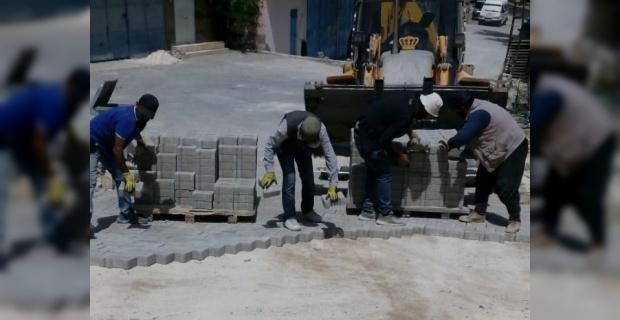 Mardin Büyükşehir Belediyesi,parke kaplama çalışmalarına devam ediyor.