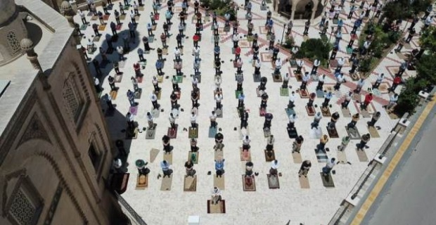 Mardin'de 74 gün sonra İlk Cuma Namazı