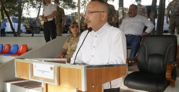 Siirt Valisi Atik jandarma Alay komutanlığında bayramlaşma törenine katıldı.