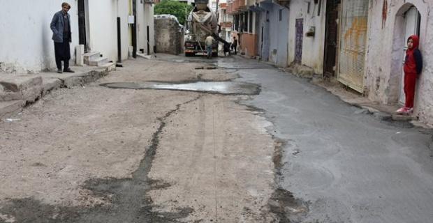 Siverek Belediyesi,beton yol yapım çalışmalarına devam ediyor.