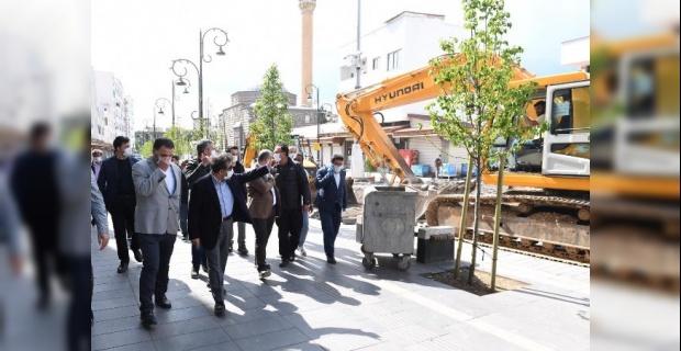 """Vali Güzeloğlu """"Sur'ları Eski Görkemine Kavuşturacağız"""""""