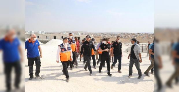 Bakan Soylu İdlib'te Biriket Evlerin Yapım Çalışmalarını İnceledi.