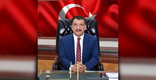 """Malatya Büyükşehir Belediye Başkanı Gürkan """"Babalar Günü"""" kutlu olsun"""
