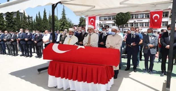 Şehit Tankçı Sözleşmeli Er İsmail Anayurt son yolculuğuna uğurlandı.