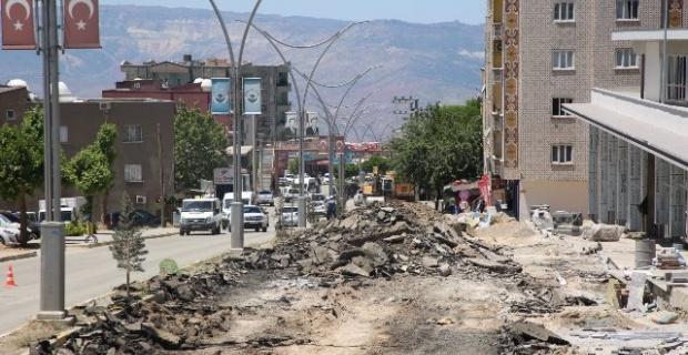 """Şırnak Belediyesi """"Cizre Caddesini dönüştürme projesi devam ediyor"""""""