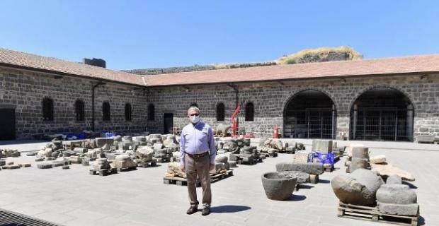 """Diyarbakır Valisi Karaloğlu """"Bu tarih, bu birikim bizim; Değerini bileceğiz ve değerlendireceğiz"""""""
