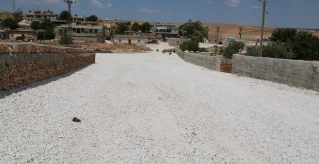 Haliliye Belediyesi, ilçe genelinde yol yapım çalışmalarına aralıksız devam ediyor.