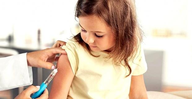 Çocuklar okulda değil aile hekimliklerinde aşı olacak