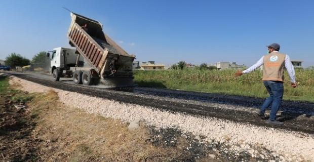 Haliliye Belediyesi, kırsal mahallelerde yol asfaltlama çalışmalarına devam ediyor.
