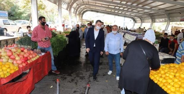Başkan Baydilli,pazar esnafını maske takmaları ve hijyene dikkat etmeleri konusunda uyardı