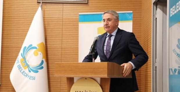 """Yanılmaz """"onlar konuşur, AK Parti belediyeciliği yapar"""""""