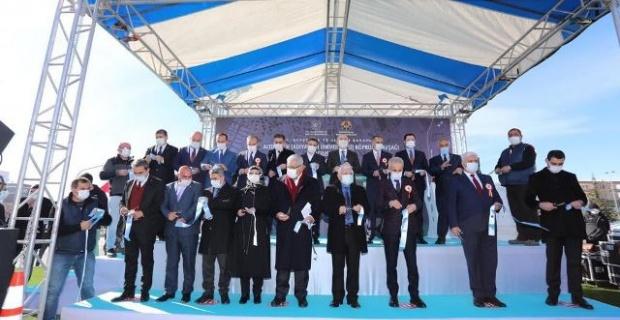 """Bakan Karaismailoğlu """"Altınşehir Köprülü Kavşağı yolculuk süresini kısaltacak"""""""