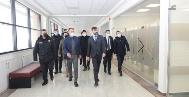 Bitlis Valisi Çağatay, Bitlis Belediyesinin Yeni Hizmet Binasını Ziyaret Etti