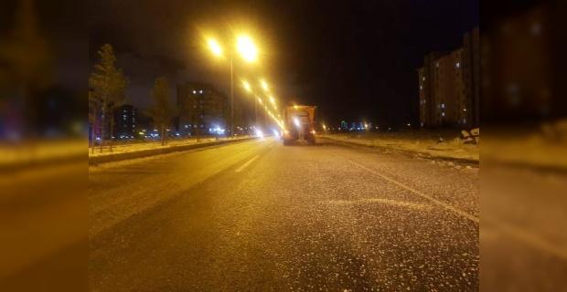 """Diyarbakır Büyükşehir """"Kar ve buzlanmaya karşı 7/24 görev başındayız"""""""