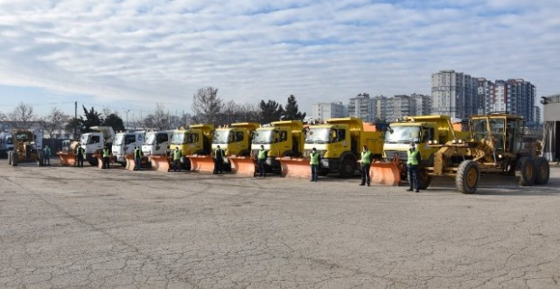 """Gaziantep Büyükşehir """"Karla Mücadele Ekibimiz"""" oluşturuldu, hazırlıklar tamam"""""""