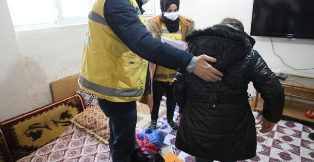Haliliye Belediyesi,kıyafet yardımlarıyla çocukların yüzlerini güldürüyor.