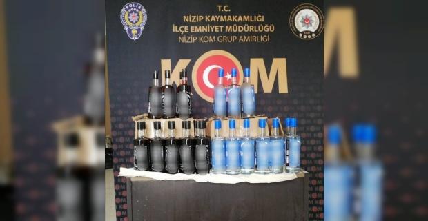 Nizip'te 80 şişe gümrük kaçağı alkol ele geçirildi.