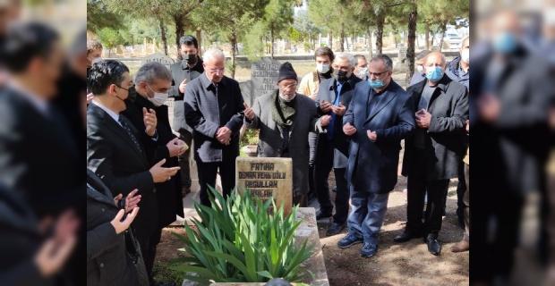 Abdullah Balak,vefatının 4.yıldönümünde mezarı başında dualarla anıldı.