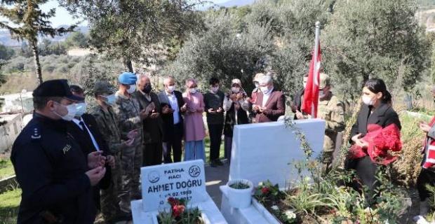 İdlib Şehidi Özer mezarı başında anıldı