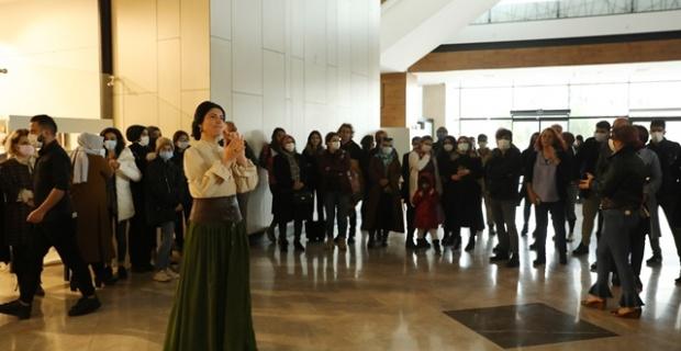 """Diyarbakır'da """"Tarihe İz Bırakan Kadınlar"""" Sergisi Açıldı"""
