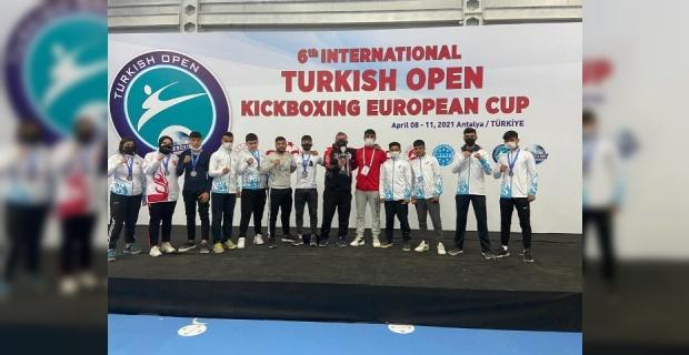 Haliliye Belediyespor Kick Boks Takımı şampiyonaya damgasını vurdu