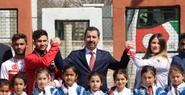 """Başkan Baydilli """"Gençler ülkemizi gelecek hedeflerine ulaştıracak ferasete sahiptir"""""""