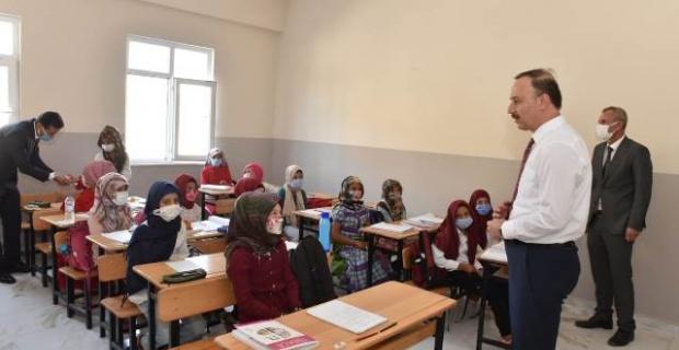 Kuveytli Hayırseverlerin Yapımını Tamamladığı Okullarda Ders Başladı