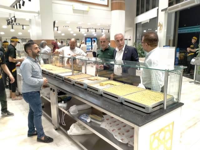 Milletvekili Aziz Aydınlık, Baklavacı Şemsettin'e Hayırlı Olsun Ziyareti