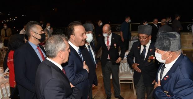 Şanlıurfa'da Şehit ve Gaziler Onuruna Yemek Programı Düzenlendi