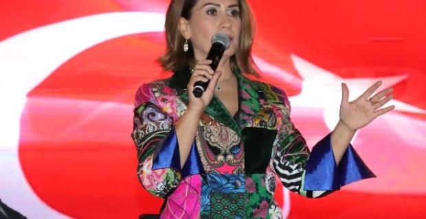 AZERBAYCAN'IN GÜÇLÜ SESİ 'AZERİN' ŞANLIURFALILARLA BULUŞTU