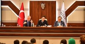 Vali Gül,Gazişehir Öğrenci Meclisi Toplantısına Katıldı