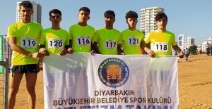 """Güzeloğlu """"Diyarbakır'ın gençleri bunlar.Gurur duyuyorum"""""""