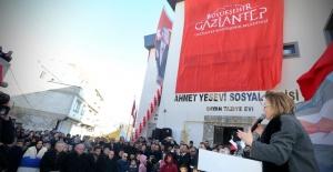 Gaziantep'te Ahmet Yesevi Kurs Merkezi Açıldı.