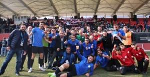 Karbel Karaköprü Belediyespor tek golle 3 puanın sahibi.