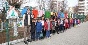 Öğrenciler İngilizce Dersini Oyuncak müzesinde uygulamalı olarak işledi.