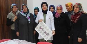 Şanlıurfa Büyükşehir Kadın Destek Merkezleri ile kursiyer kadınları iş hayatına hazırlıyor.
