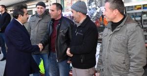 Vali Güzeloğlu Çınar'da Esnafı Ziyaret Etti.