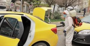 """Başkan Fadıloğlu """"Taksi durakları ve taksileri dezenfekte etmeye devam ediyoruz"""""""