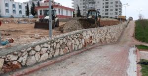 Halfeti Belediyesi çevre düzenleme çalışmaları başlatıldı.