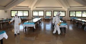 Bozova Belediyesi Korona virüs ile mücadele kapsamında dezenfekte çalışmalarına titizlikle devam ediyor.