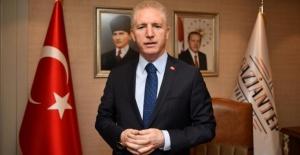 """Gaziantep Valisi Gül """"tüm babaların babalar gününü kutluyorum"""""""