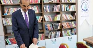 Akçakale'de kütüphane kafe hizmete açıldı.