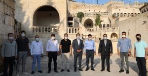 Başkan Canpolat, Şanlıurfa Mimarlar Odası Başkanı Karadağ'ı ziyaret etti