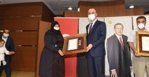 Şanlıurfa'da Şehit Aileleri ve Gazilere Devlet Övünç Madalyası ve Beratı Verildi