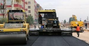 Büyükşehir Belediyesi, asfalt hizmetlerini Viranşehir'e taşıdı