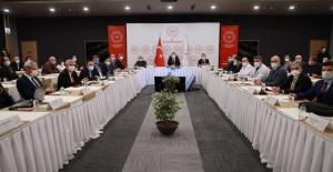 """Bakan Koca """"Salgınla mücadelede fedakarlık sınavımız devam ediyor"""""""