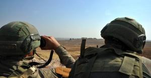 PKK/KCK'dan kaçan 2 örgüt mensubu, güvenlik güçlerine teslim oldu.