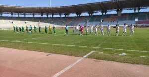 Şanlıurfaspor-Manisaspor maçı başladı.